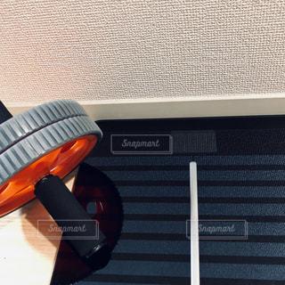 体重計+運動+継続=ダイエットの写真・画像素材[2316756]