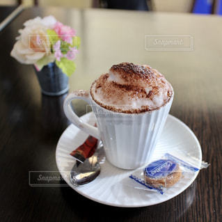 フランスのカフェでコーヒーの写真・画像素材[951600]