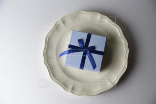 青と白のケーキの写真・画像素材[1038858]