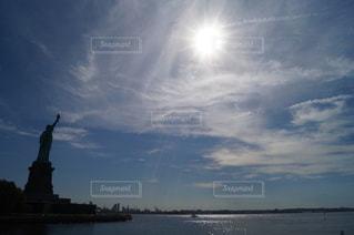 ニューヨーク,太陽,雲,青空,アメリカ,観光,旅行,旅,自由の女神,NY,マンハッタン,US
