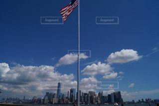 曇りの日の都市の景色 - No.996916