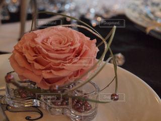 花,ピンク,室内,皿,装飾,フラワーアレンジ