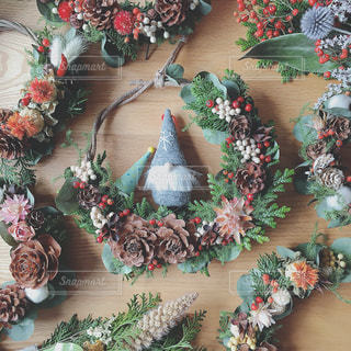 ドライフラワーのクリスマスリースの写真・画像素材[935037]