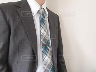 スーツとネクタイを着た男の写真・画像素材[3049163]