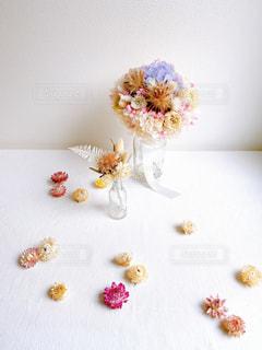お祝いの花束の写真・画像素材[3085070]