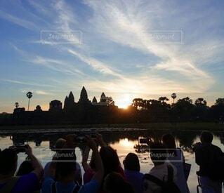 空,海外,水面,撮影,人,旅行,お正月,日の出,カンボジア,海外旅行,新年,シャッターチャンス