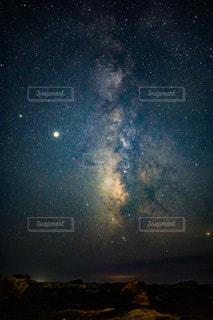 星のある夜空の写真・画像素材[3582368]