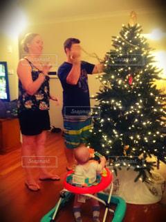クリスマスツリー,飾り付け,Christmas,Christmas eve,初めてのクリスマス,first Christmas,Christmas with family,クリスマスツリーの飾り