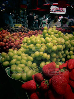 緑,赤,紫,いちご,果物,新鮮,フレッシュ,ぶどう