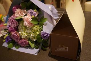 花,ケーキ,花束,フラワーアレンジ,結婚記念日