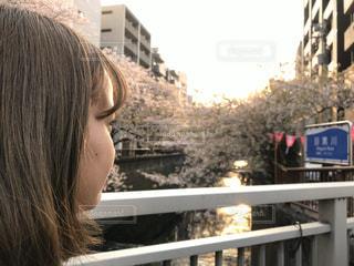 女性,1人,風景,空,桜,屋外,人,目黒川