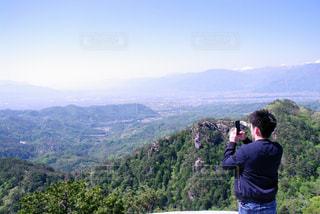 モデル,自然,男,オシャレ,野山,眺め,峡谷