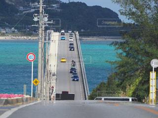 水の体の上の橋 - No.944118