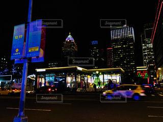 夜の台北101周辺の写真・画像素材[945016]