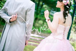 ウェディング ドレスを着ている人の写真・画像素材[1232887]
