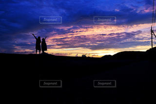夕日と影の写真・画像素材[1305997]