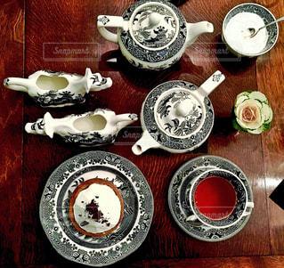 トッピング プレートとボウル食品の表の写真・画像素材[948256]