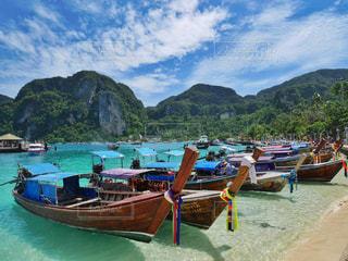 ピピ島の上に座ってボートの写真・画像素材[1428363]
