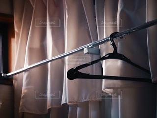 夏,屋内,朝日,日常,洋服,ハンガー,生活,ライフスタイル,収納,クローゼット,衣替え,整理整頓