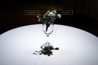 花,屋内,白,フラワーアレンジメント,黒,テーブル,都内,可憐