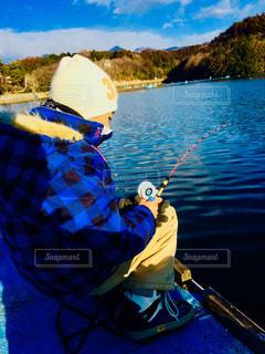 自然,アウトドア,冬,屋外,湖,水面,釣り,遊び,休日,blue,ワカサギ,公魚