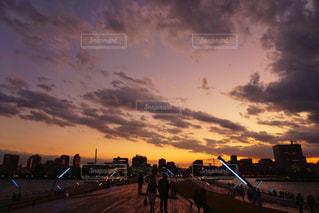 夕焼け 大さん橋にての写真・画像素材[955891]