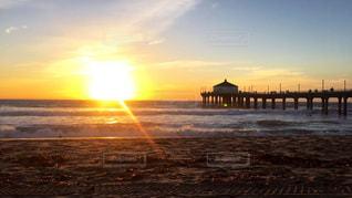 マンハッタンビーチでの夕日の写真・画像素材[956605]