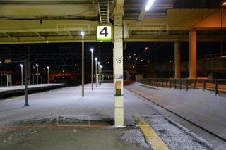 雪の線路の写真・画像素材[1737871]