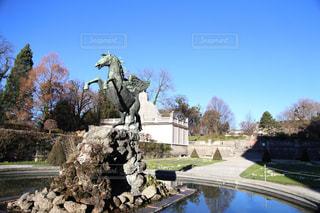 空,建物,冬,屋外,青空,ヨーロッパ,景色,観光,旅行,旅,馬,像,オーストリア,海外旅行,景観,フォトジェニック,ザルツブルク,サウンドオブミュージック,ミラベル庭園