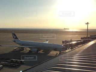 アウトドア,空,屋外,太陽,飛行機,光,夕陽,お出かけ,サンライズ