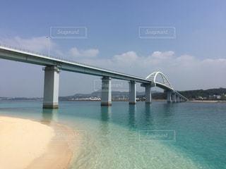 沖縄県瀬底島の瀬底大橋2の写真・画像素材[1042623]