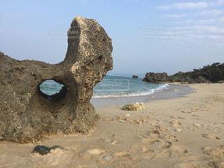 沖縄県古宇利島のトケイ浜の写真・画像素材[1042687]