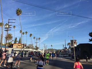 ロサンゼルスマラソンの青空の写真・画像素材[1095895]