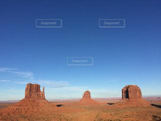 アメリカモニュメントの青空の写真・画像素材[1096359]