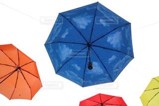 空,傘,カナダ,女子旅,海外旅行,2019,カラフル傘,おしゃれな傘,アンティークな街