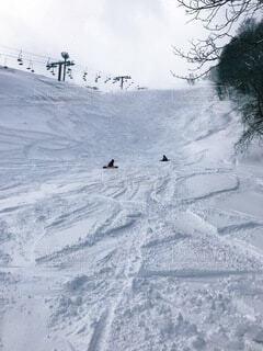 2人,自然,冬,雪,屋外,雪山,山,スキー,運動,ゲレンデ,スキー場,スノーボード,斜面,ウィンタースポーツ,初心者,ウインター