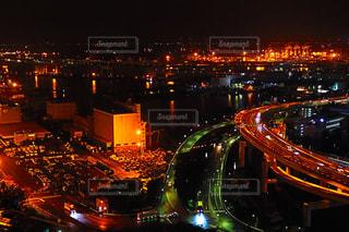 夜の街の景色の写真・画像素材[1567822]