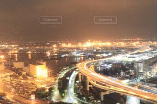 夜の街の景色の写真・画像素材[1567837]