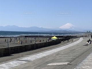 海,空,富士山,屋外,ビーチ,晴れ,散歩,海岸,レジャー,お散歩,ライフスタイル,おでかけ,鵠沼海岸,鵠沼,いいお天気