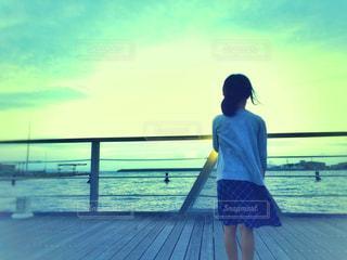 夕暮れの海の写真・画像素材[1343648]