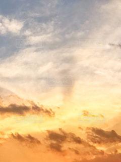 オレンジの空の写真・画像素材[2419317]