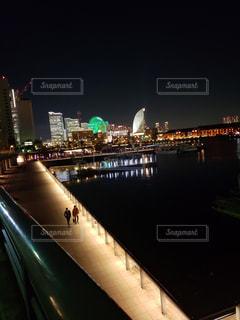 夜の街の景色の写真・画像素材[1683992]