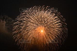 大きな花火の写真・画像素材[3693687]