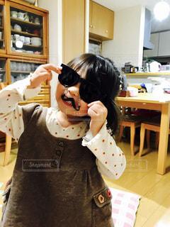 ひげサングラスの写真・画像素材[1017124]