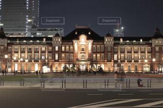 夜の東京駅の写真・画像素材[1778621]