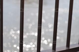水面の晴れ間の写真・画像素材[2785477]
