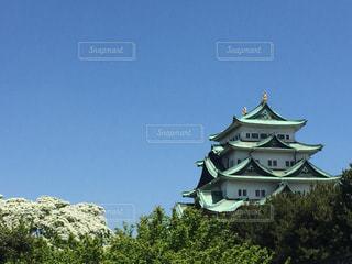 建物の側に時計城の写真・画像素材[1015876]