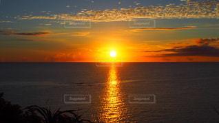 水の体に沈む夕日 - No.987344