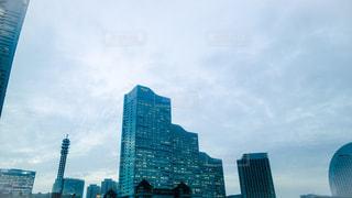 みなとみらいの風景 クイーンズタワーの写真・画像素材[1008281]