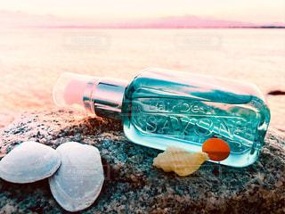 レールデュサボンと夕暮れ時の海の写真・画像素材[1184980]